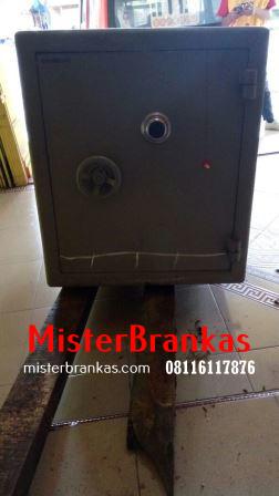 Ahli Perbaikan Brangkas di Jl. Muktiharjo, Semarang
