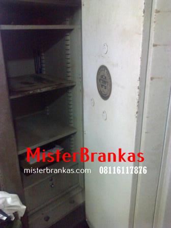Jasa Servis  lemari besi di Candimulyo, Magelang