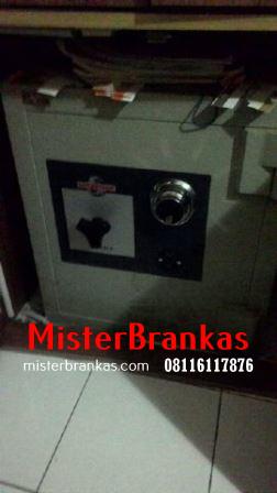 Ahli Servis Brankas di Jl. Mulawarman , Semarang