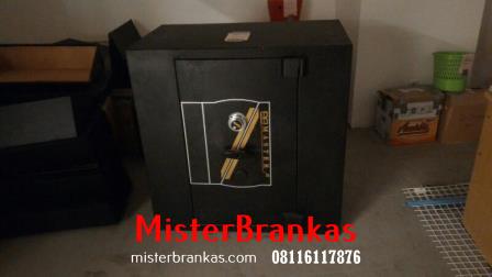 Ahli Servis Brandkast di Jl. Manggis, Semarang