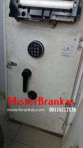 08116117876 | Tukang Service Lemari besi, Ganti kunci Brankas lemari besi, service kunci Brankas lemari besi dan pindahan Brankas lemari besi di Jiken, Blora